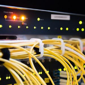 Telekommunikation und Überwachungsanlagen
